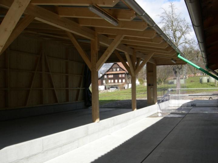 Stallanbau Kleinhaus, Greppen